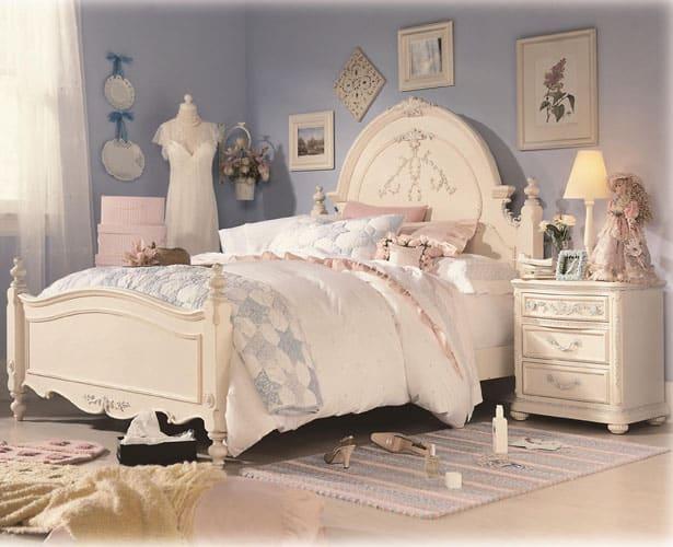 Dievčenská izba v pastelových farbách