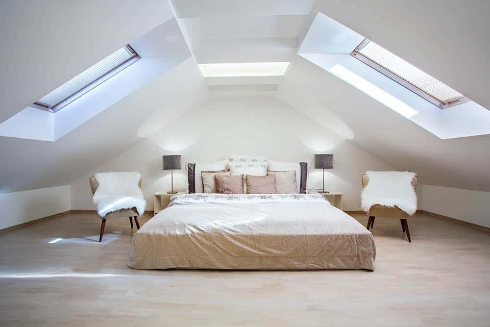 Viac svetla v podkroví vďaka strešným oknám