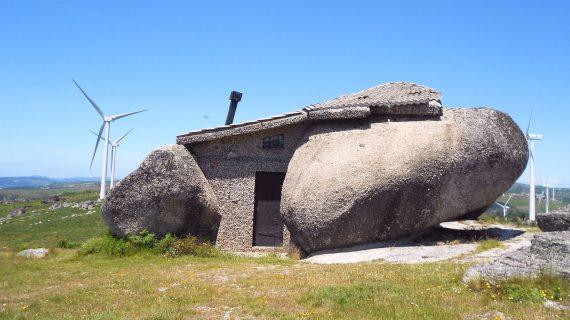 Úžasný kamenný dom