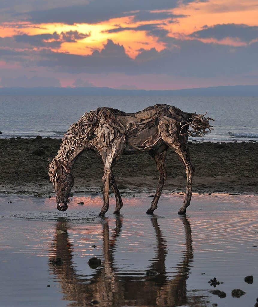 Socha dreveného koňa