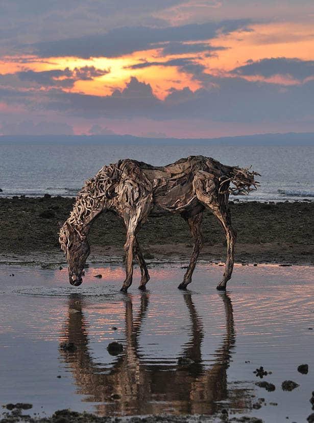 driftwood-horse-sculptures-jame-doran-webb
