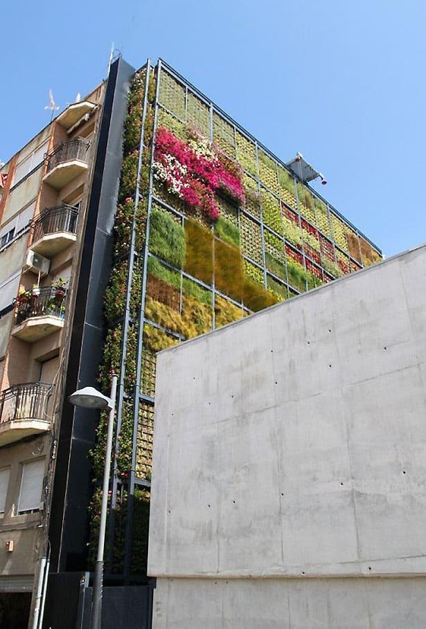 vertical-garden-kniznica