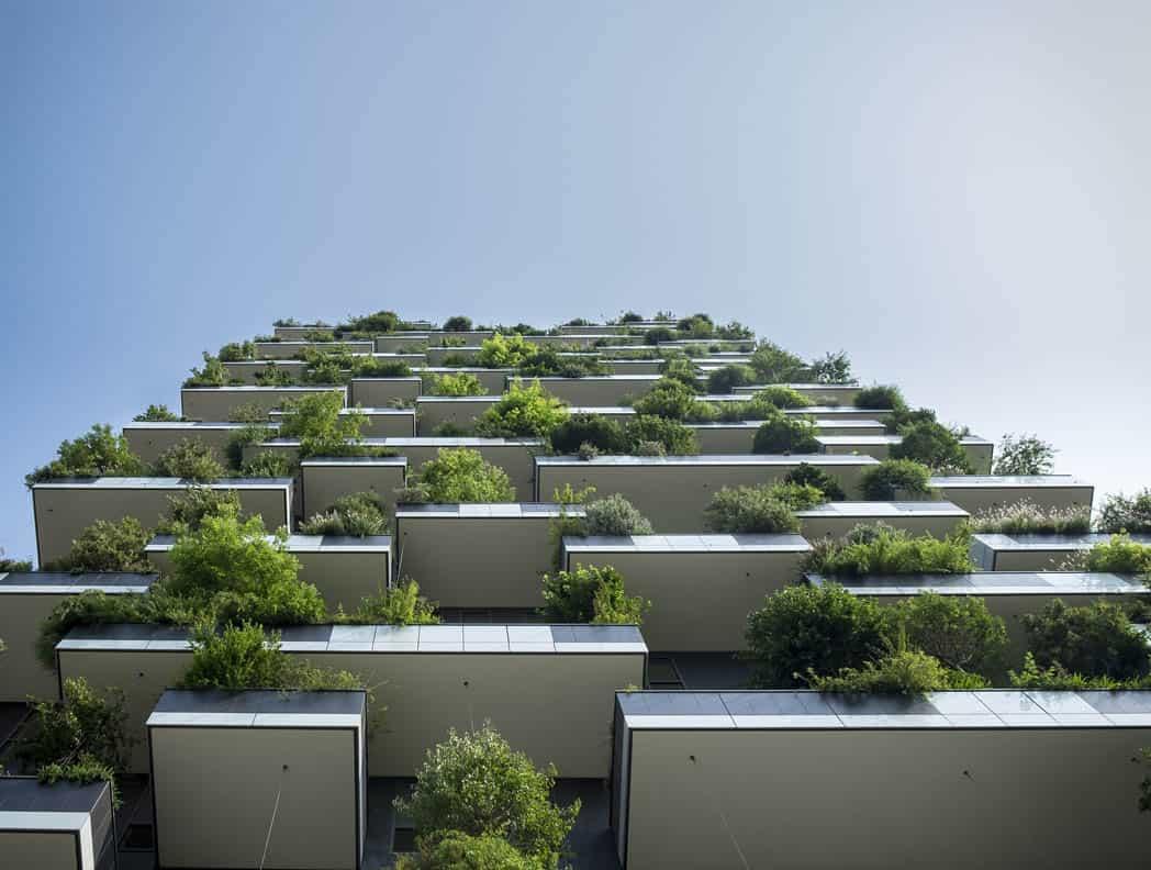 Balkónové terasy so zeleňou.