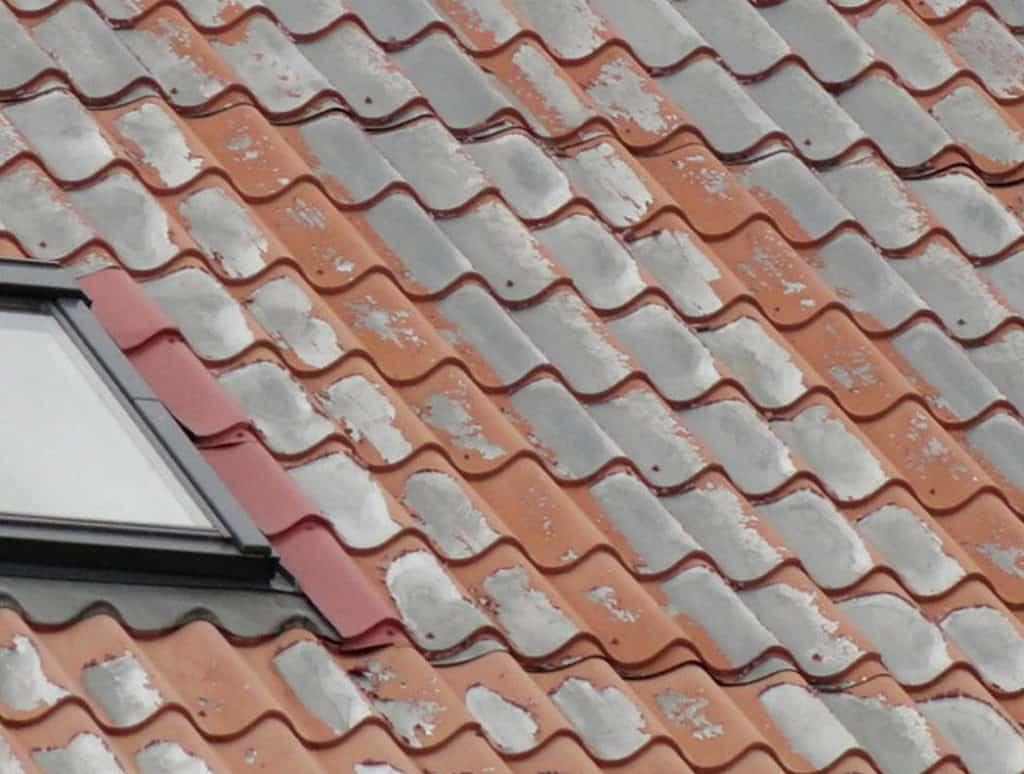 Nezabudnite si skontrolovať strechu po zime