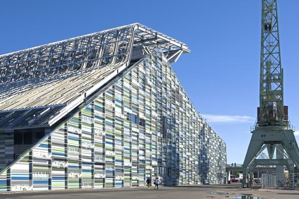 Oceľové opláštenie fínskeho Múzeá Maritime Centre Vellamo