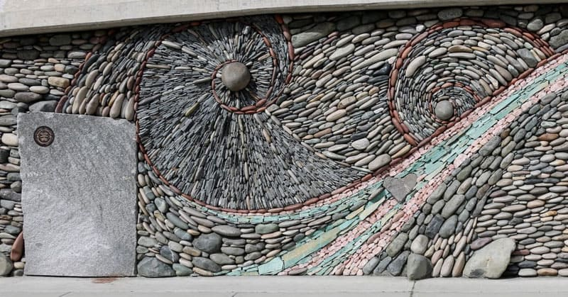 stone-wall-art-by-andreas-kunert-and-naomi-zettl