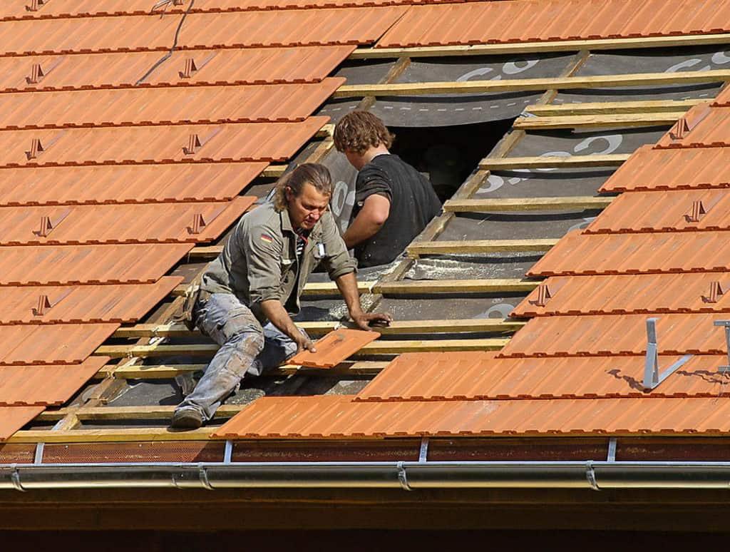 Chystáte sa zatepľovať? Najprv vymeňte strechu!