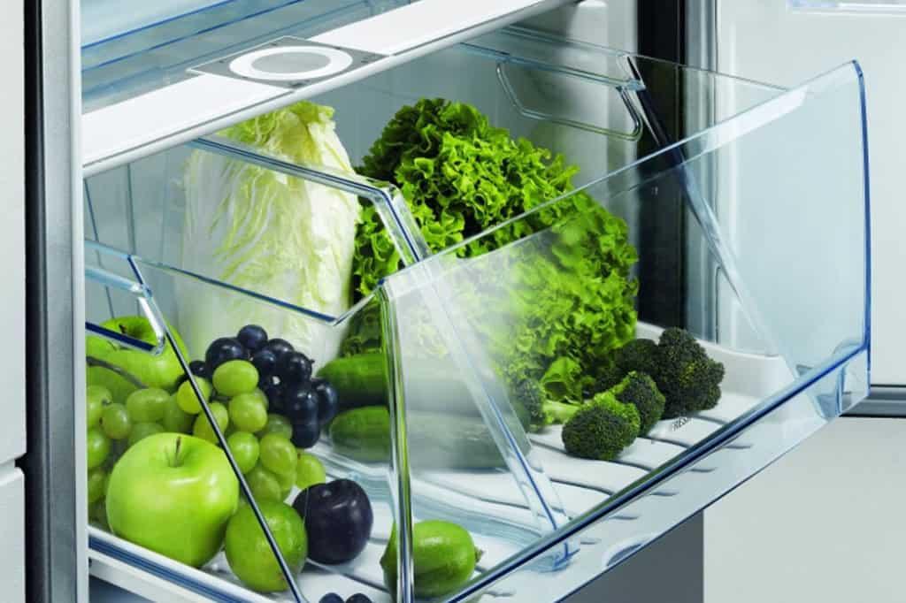 Chladničky sa najviac kazia v lete
