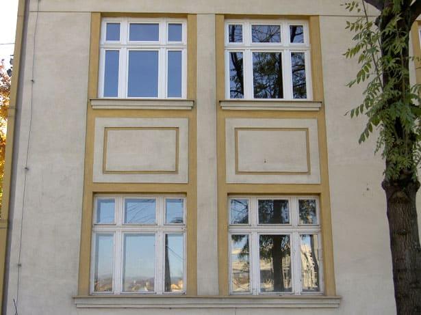 MAKROWIN 88 drevene historicke okna