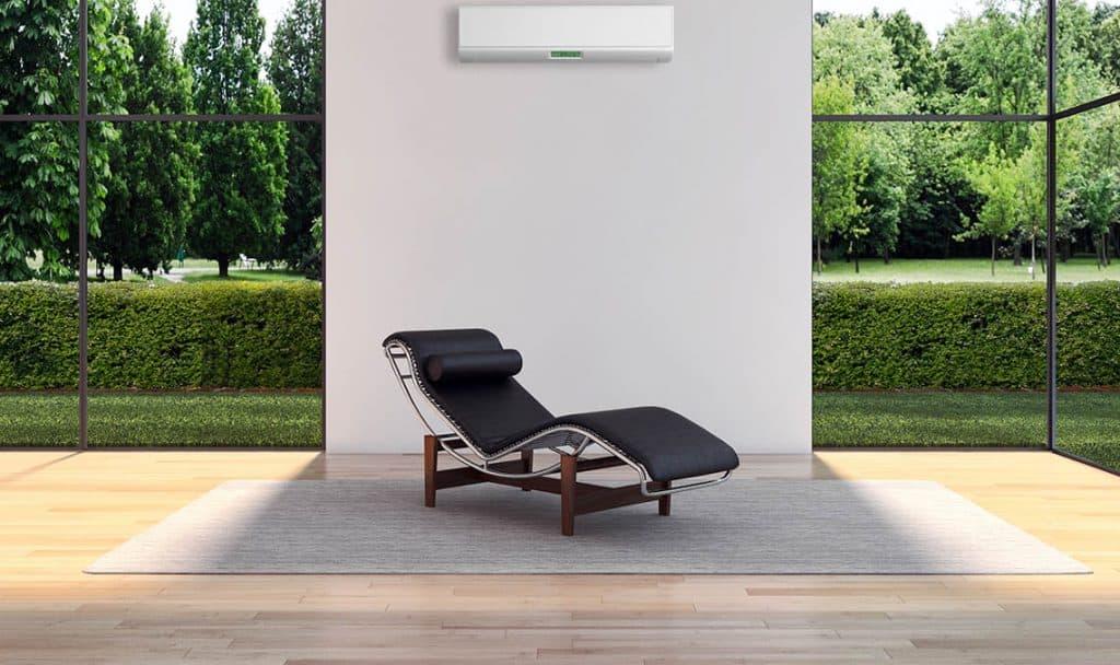Klimatizácia umiestnená v modernom interiéri