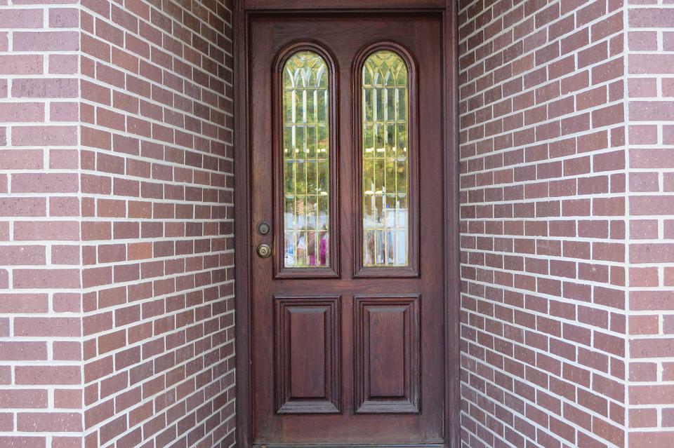 wood-door-187964_960_720