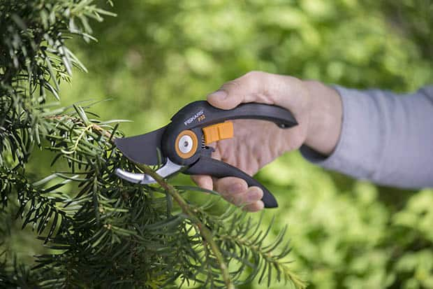 Fiskars_Garden_Action_Solid_Pruner(2)