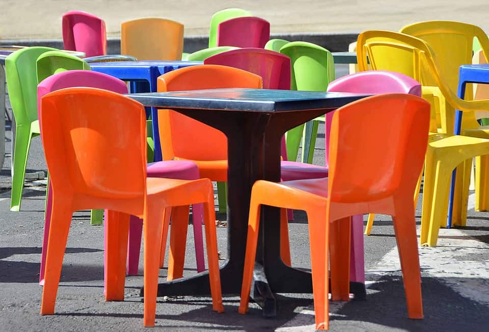 tables-and-chairs-1041282_960_720