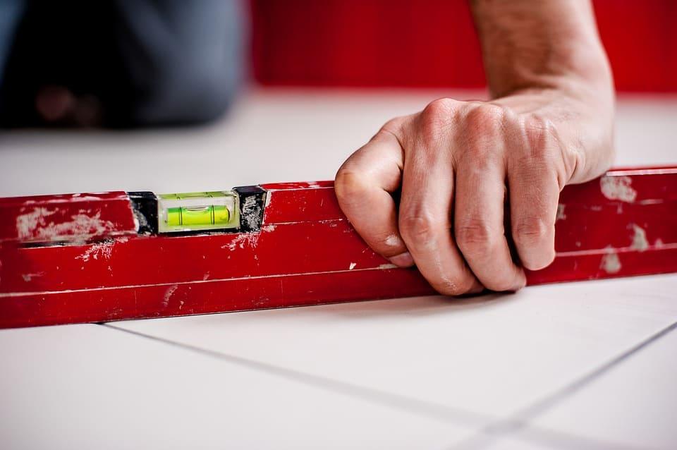 Krivá podlaha a jej meranie