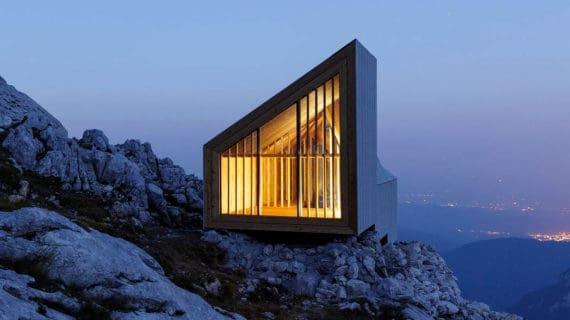 Rockwool zateplil unikátnu chatu pre horolezcov v slovinských Alpách