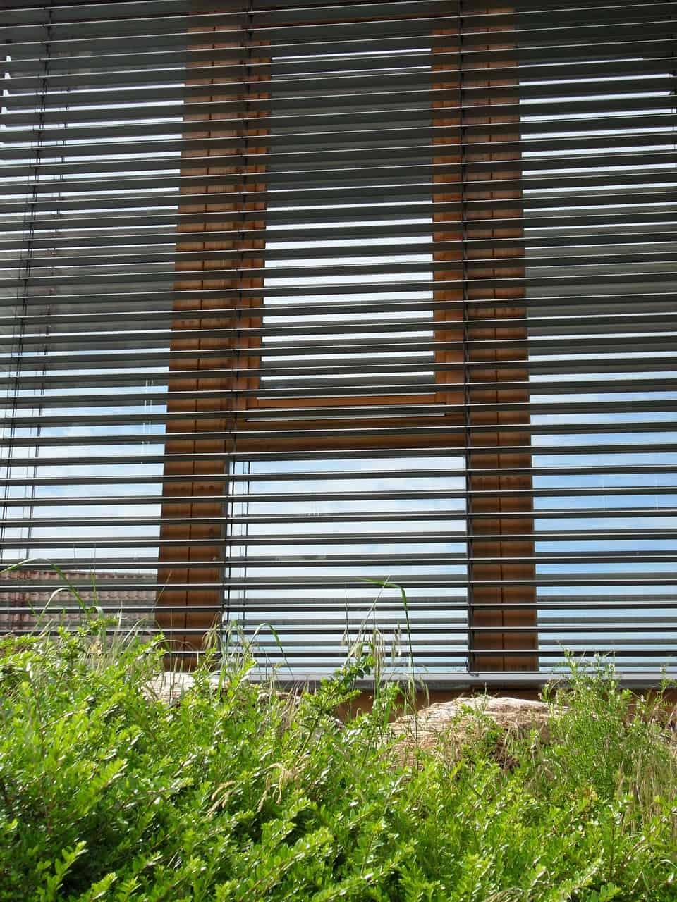 blinds-353871_1280
