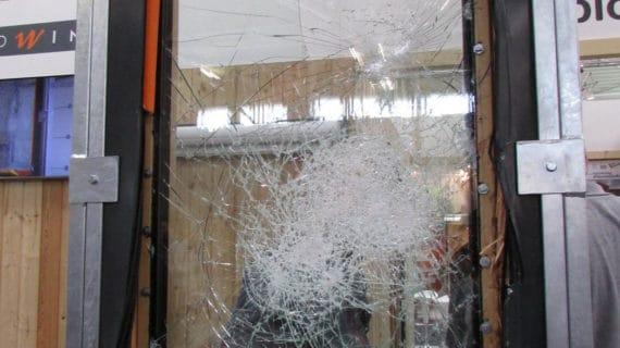 Certifikované bezpečnostné okno od Makrowinu nevylomili ani za 45 minút