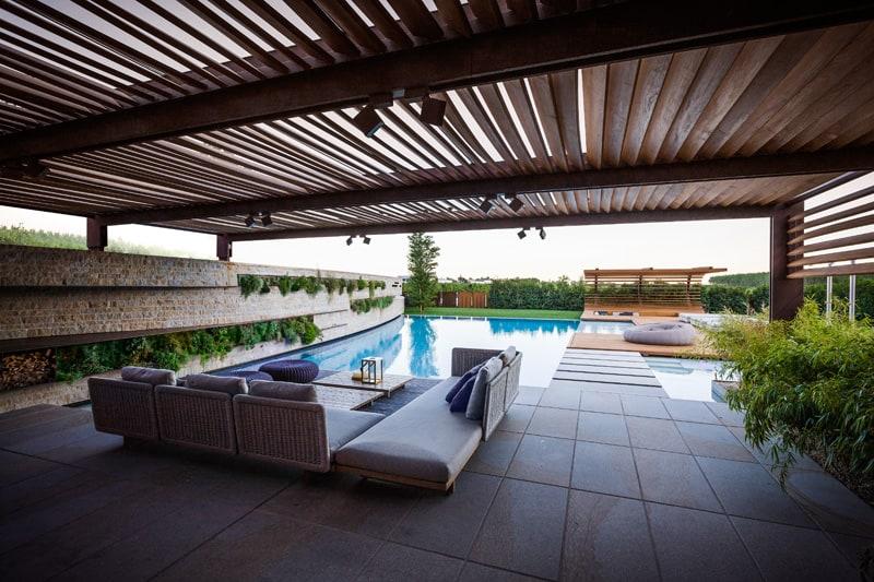 zahradne-sedenie-bazen