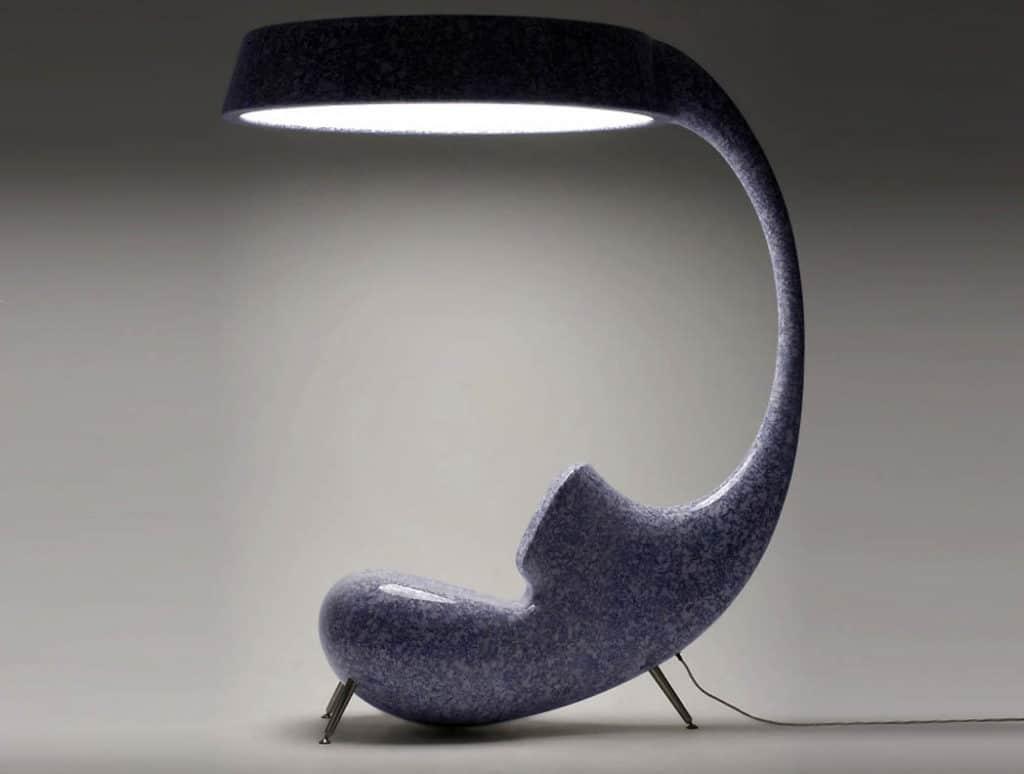 Unikátna lampa a kreslo v jednom