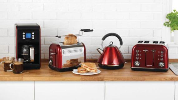 Britská značka spotrebičov Morphy Richards oslavuje 80