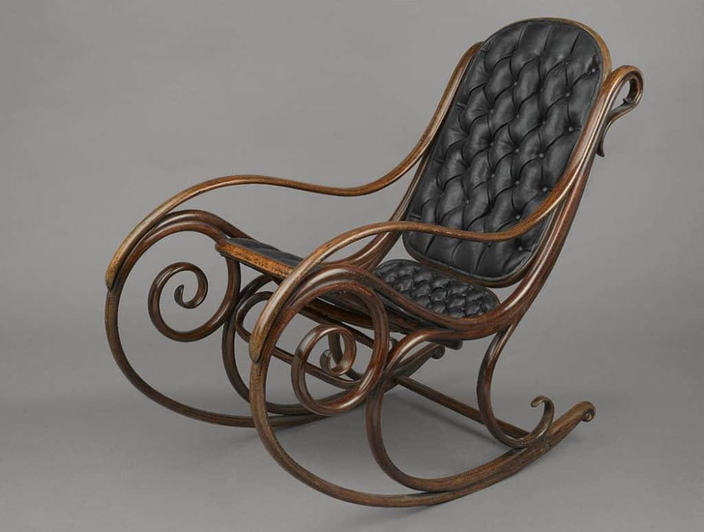 Ručne ohýbaný nábytok – tradícia českého nábytkárstva
