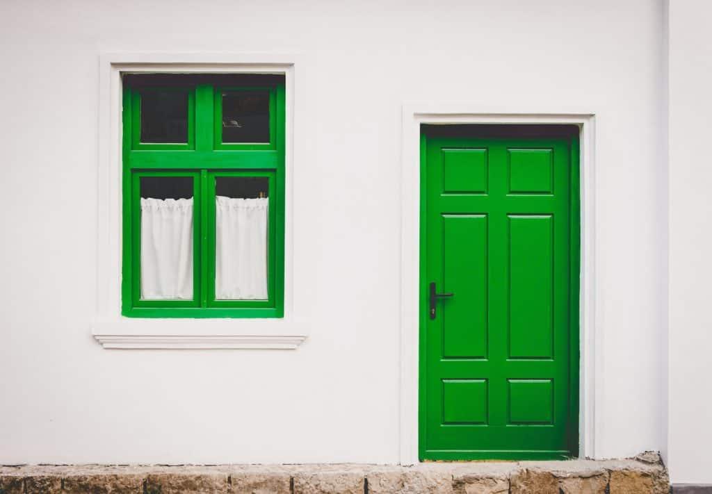 Prítomnosť drevených okien