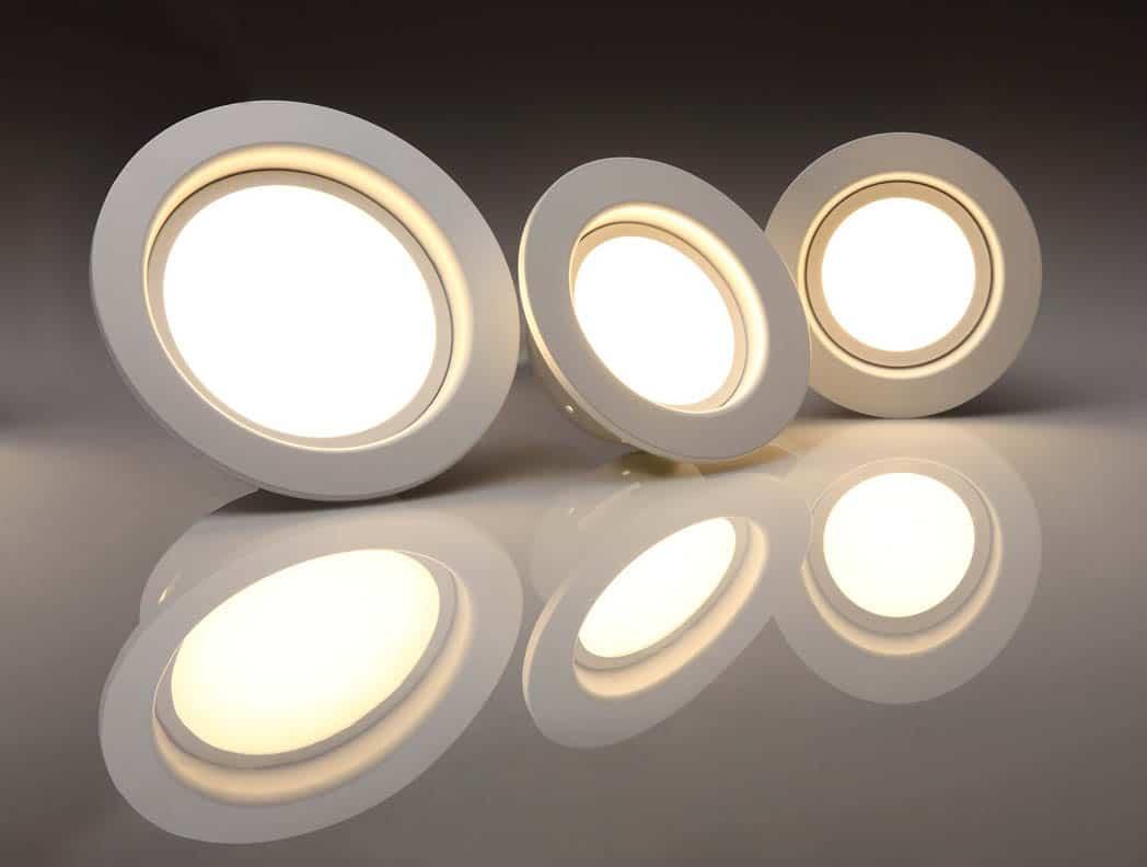 Bodové svetlá – 3 v 1 (úspora, dizajn, praktickosť)