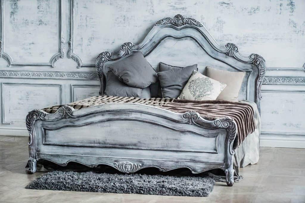 postele z masivneho dreva pre pohodlný spánok