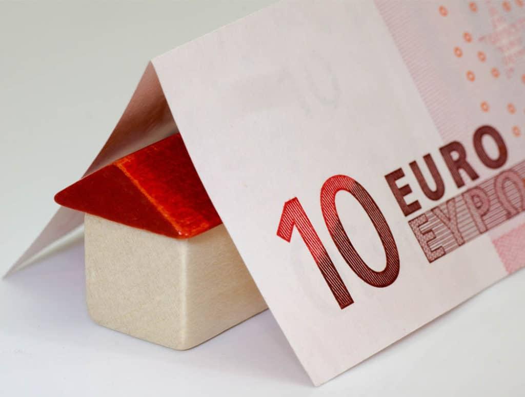 Za a proti úverov zo stavebných sporiteľní