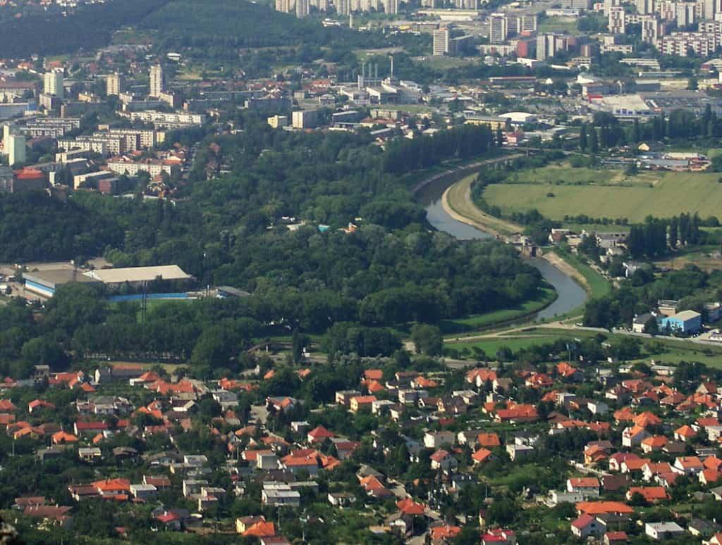 Satelitné mestá