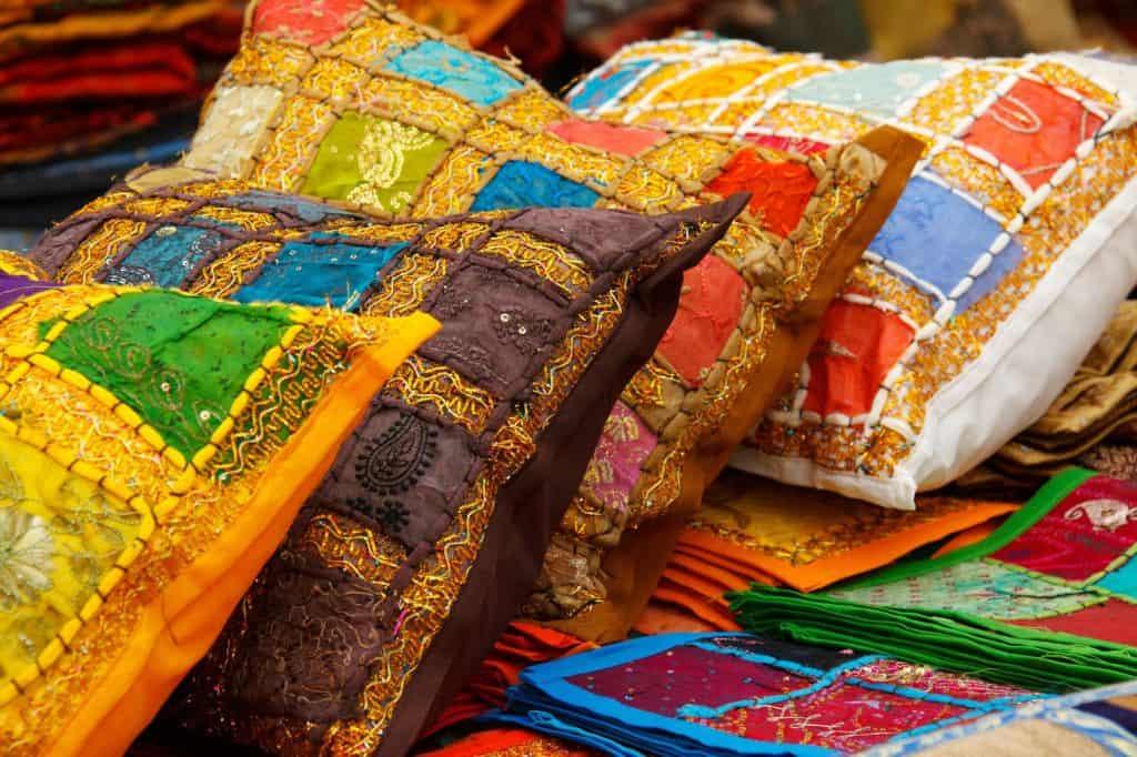 Orient žije vzácnymi textíliami