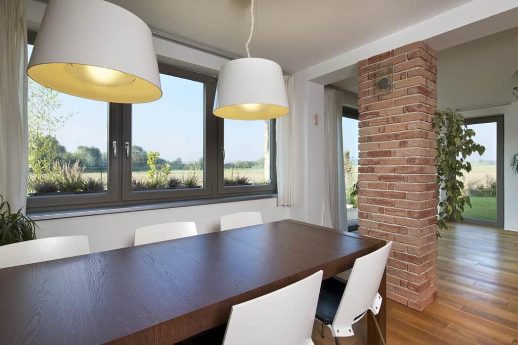 Jarné upratovanie - Umyte si okná, aby ste mali dobrý výhľad