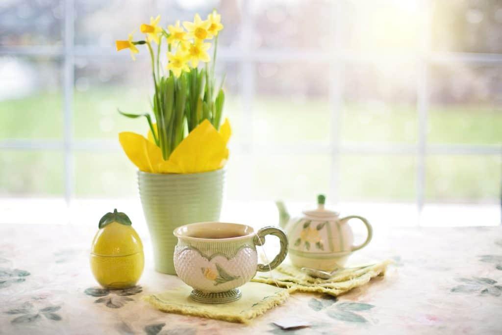 Jarné dekorácie na stole