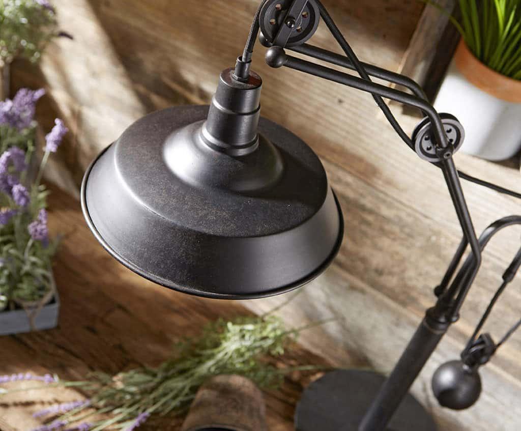 Lampa v rustikálnom štýle