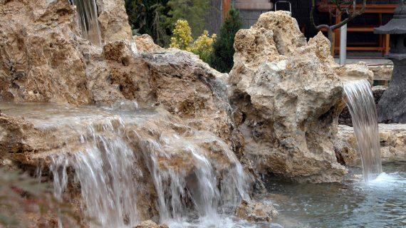 6 dôvodov prečo mať vodopád v záhrade