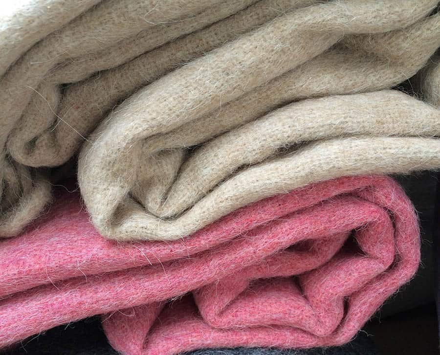 Huňaté deky a vankúšiky