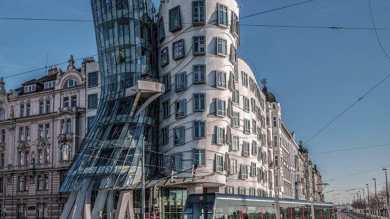 Tancujúci dom v Prahe