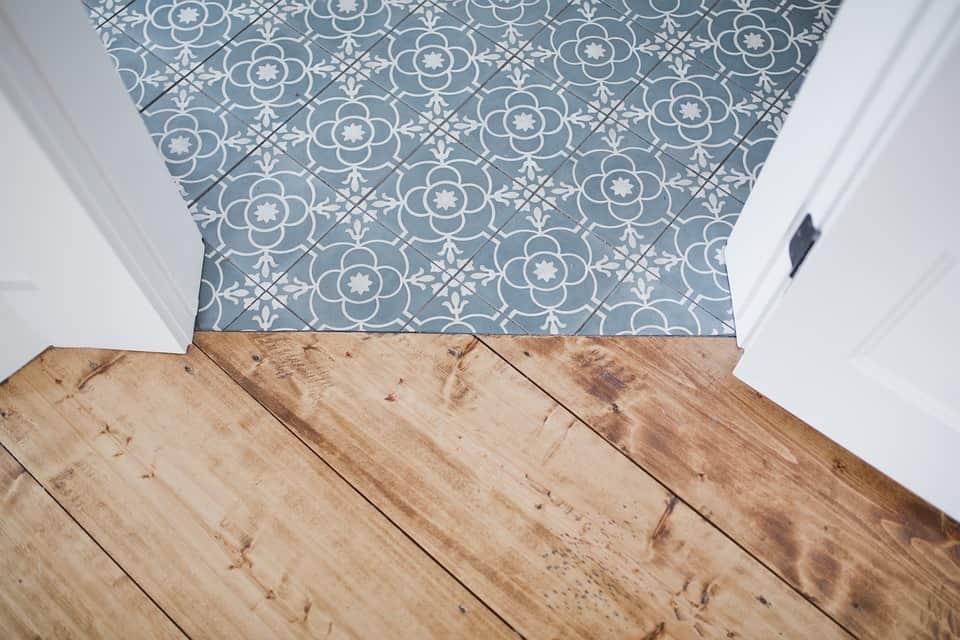 Drevená podlaha.