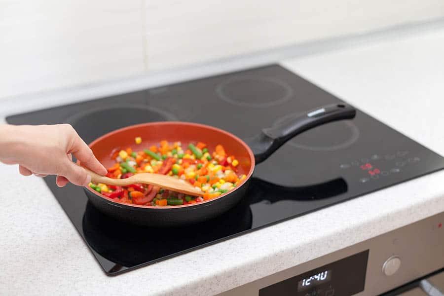 Varné dosky v kuchyni