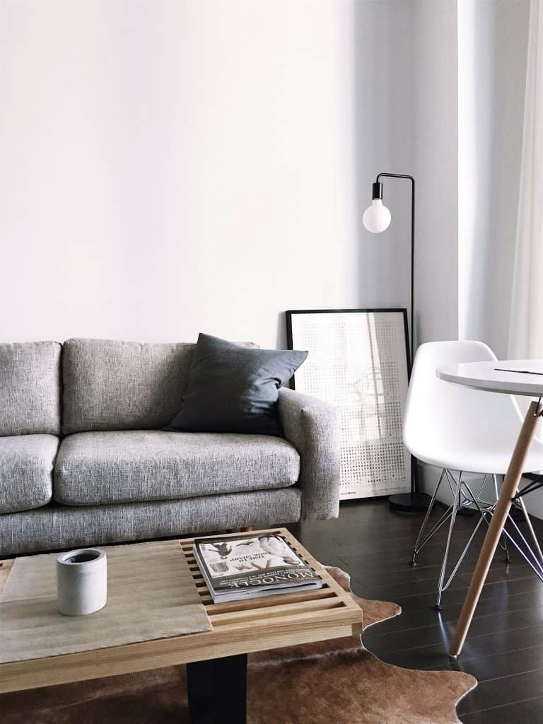 Sivá pohovka - výber ten správnej pohovky
