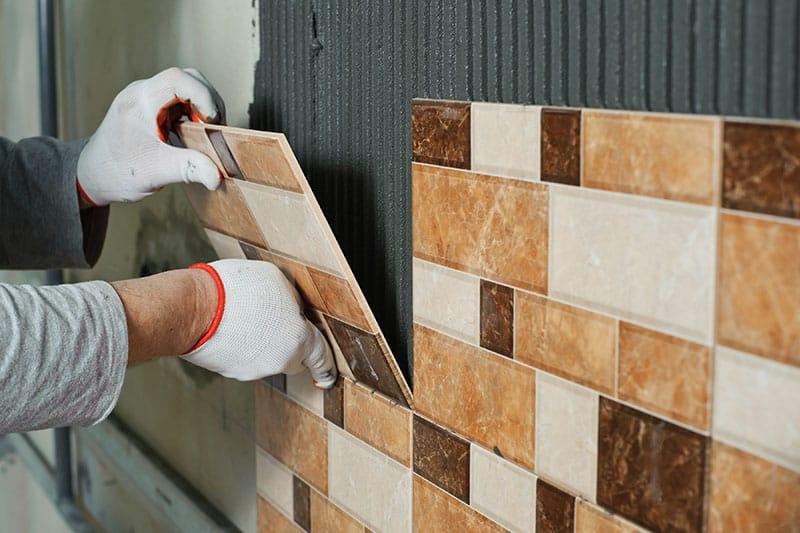 Pokladanie dlažby - murované sprchové kúty