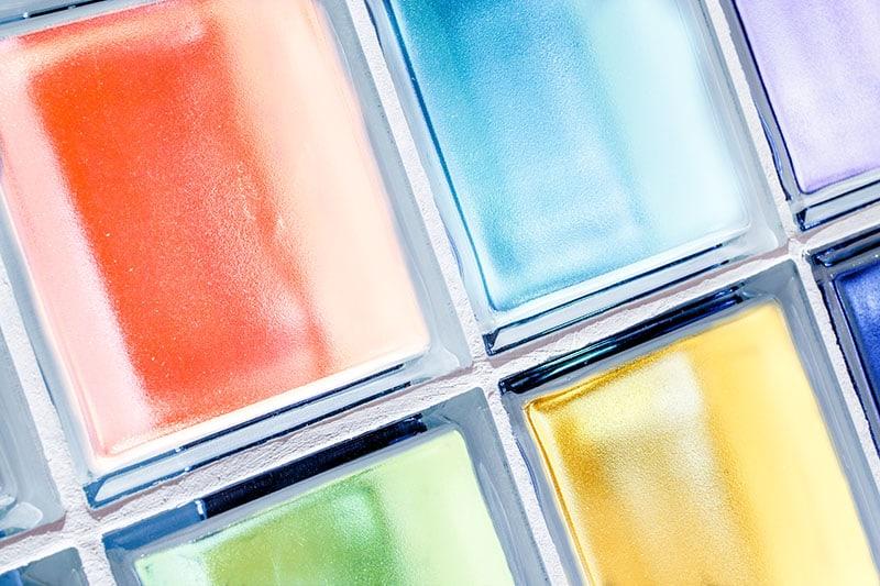 Sklenené farbené tvárnice - sklobetón