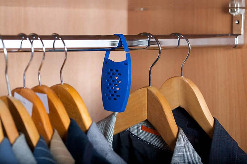 Ochrana proti moliam v šatníku