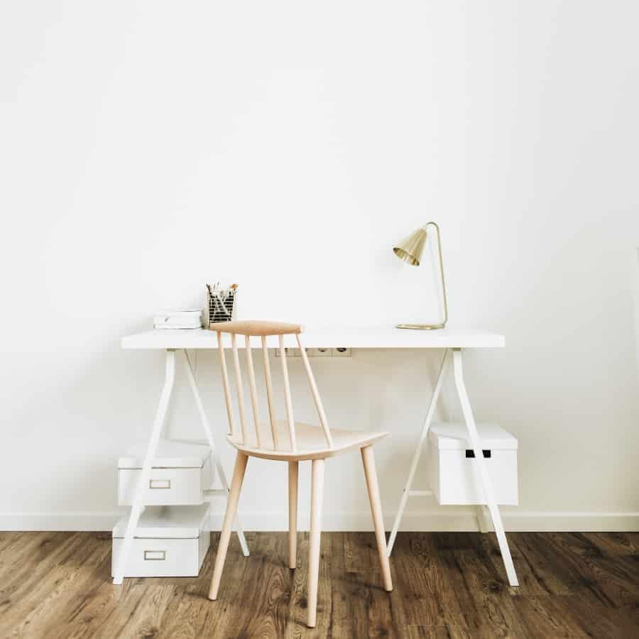 Pracovný stôl so stoličkou