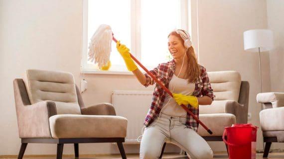 Upratovanie domácnosti