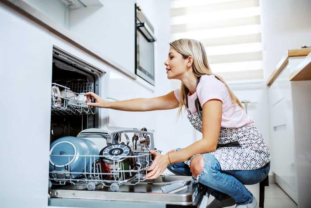 Umývačka riadu do kuchyne