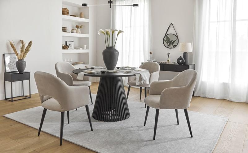 Zamatové stoličky